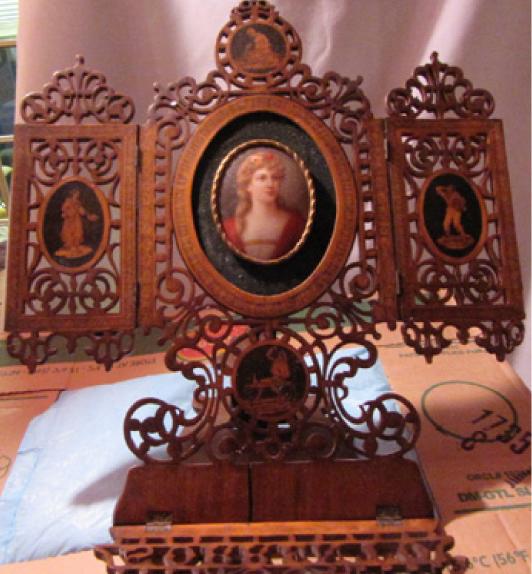 Jim Wroda Art Glass, Lighting, Clocks and Furniture Auction