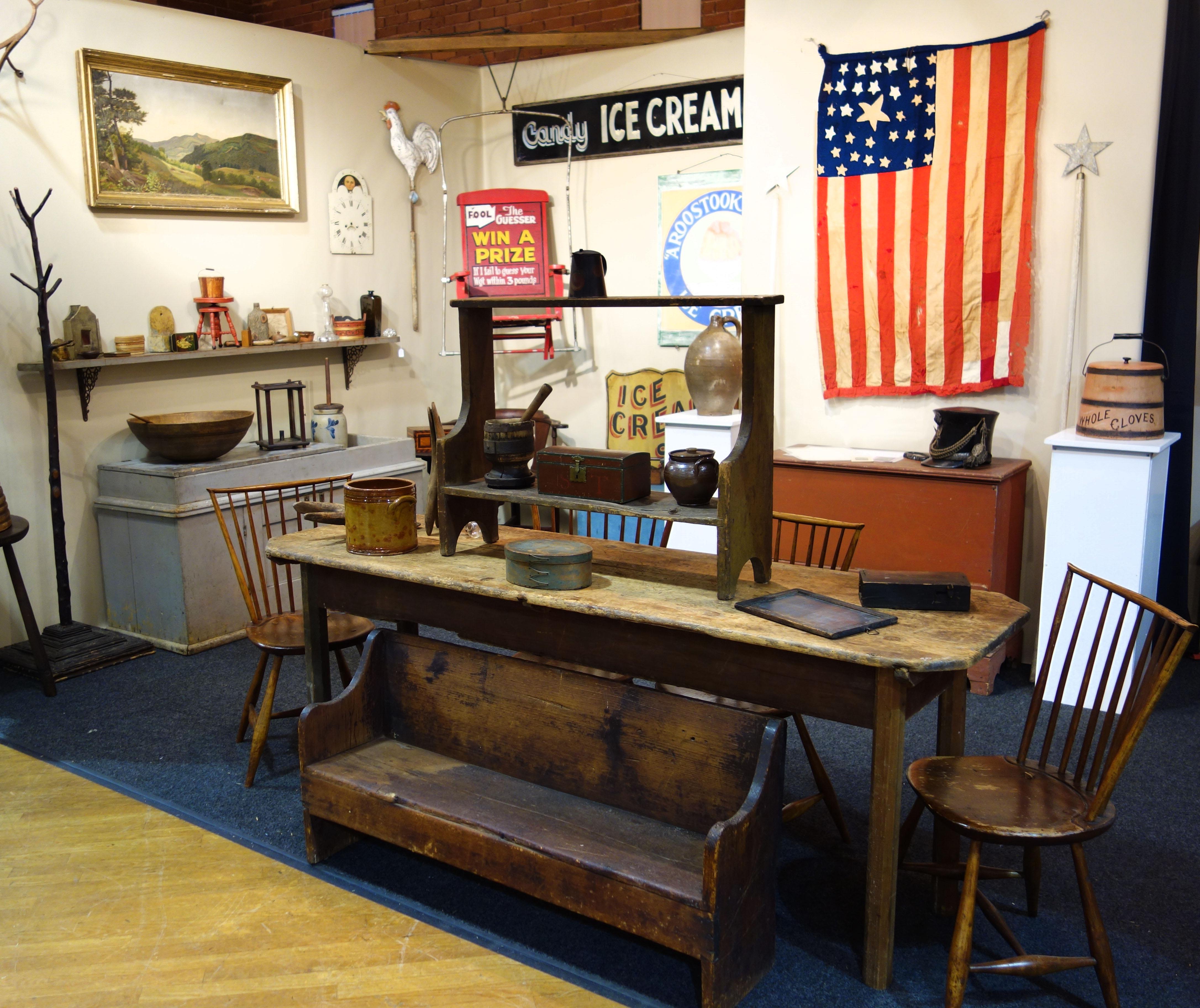 new hampshire antiques show sets attendance record. Black Bedroom Furniture Sets. Home Design Ideas