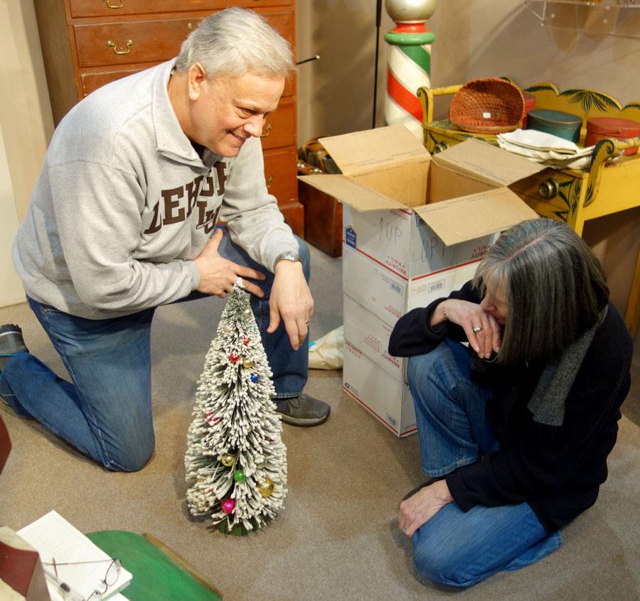 Christmas Tree Hill Lancaster Pa: York Antiques Show & Sale