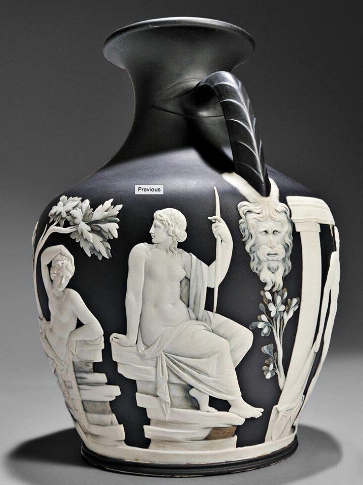 Wedgwoods Portland Vase Tops Skinner At 147000