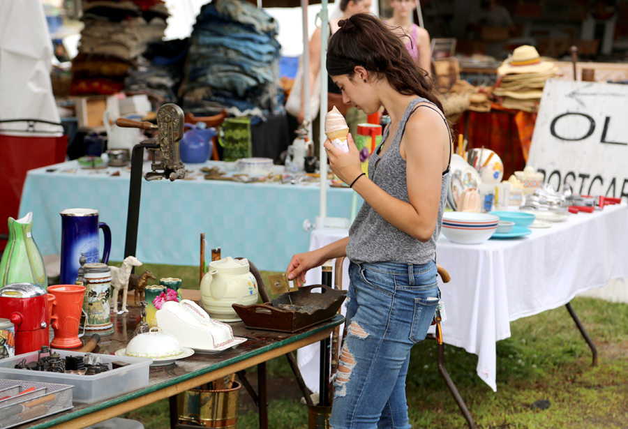 brimfield single men 10 tips for navigating the brimfield show april 21, 2012 by nan 15 comments it is hard to believe it is almost time for the brimfield antiques show again.