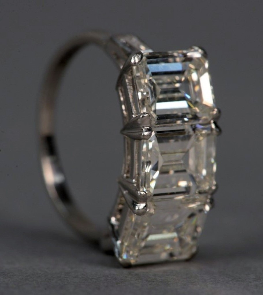 This stunning three-stone diamond ring, offered early in the auction, had three emerald cut diamonds, each weighing approximately 1.8 to 1.9 carats each. Estimated at $15/25,000, the platinum ring saw interest from the crowd push the selling price to $37,200.