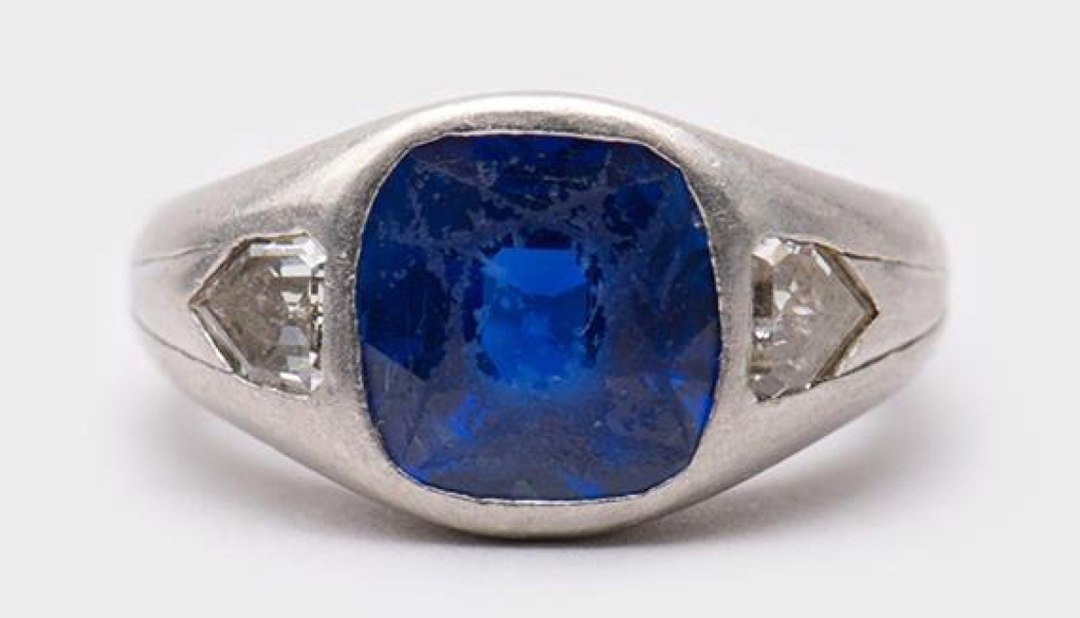 Perhaps the biggest surprise of the day was this platinum, sapphire and diamond ring. Buyers decided that it was of the finest type, a Kashmir emerald, and previously undocumented. Kashmir emeralds are considered to have the best coloring, and this ring realized $61,000, far exceeding the estimate.