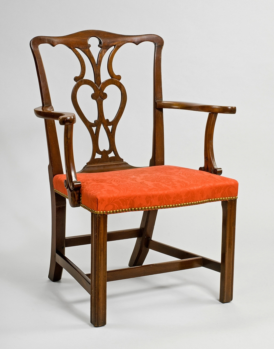Mor Furniture Fresno: Four Centuries Of Furniture In Portsmouth