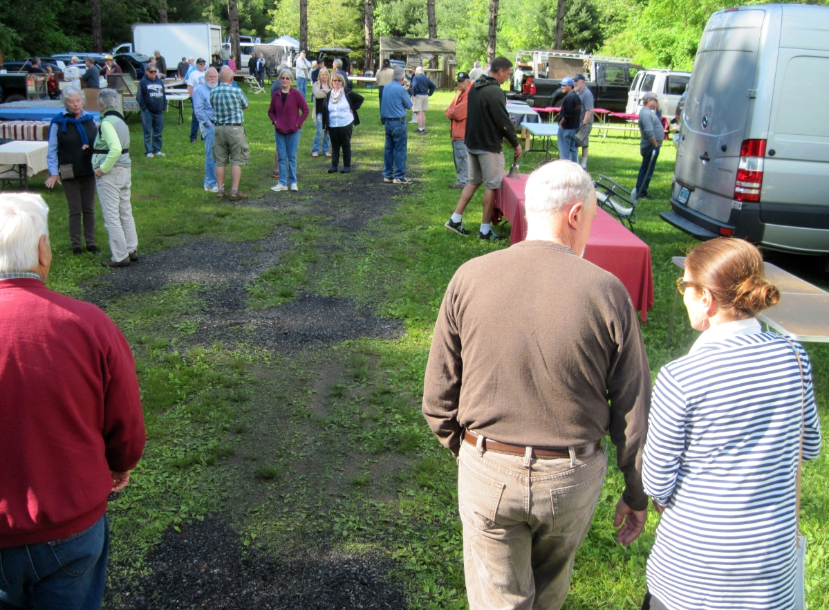 Tailgate at walker homestead offers brisk shopping experience the wait was filled with anxiety well coffee and donuts anyway arubaitofo Gallery