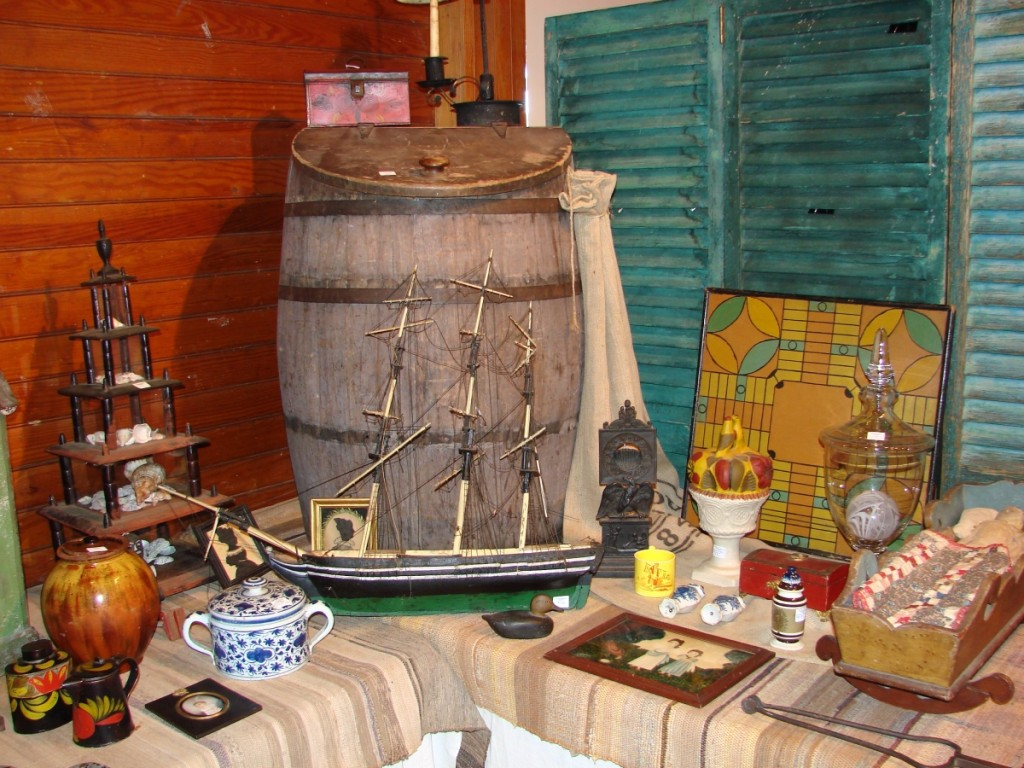 Stephen-Douglas Antiques, Rockingham, Vt., and Walpole, N.H., was set up in a large booth in the barn with a selection of Americana, along with early ceramics, folk art and more.