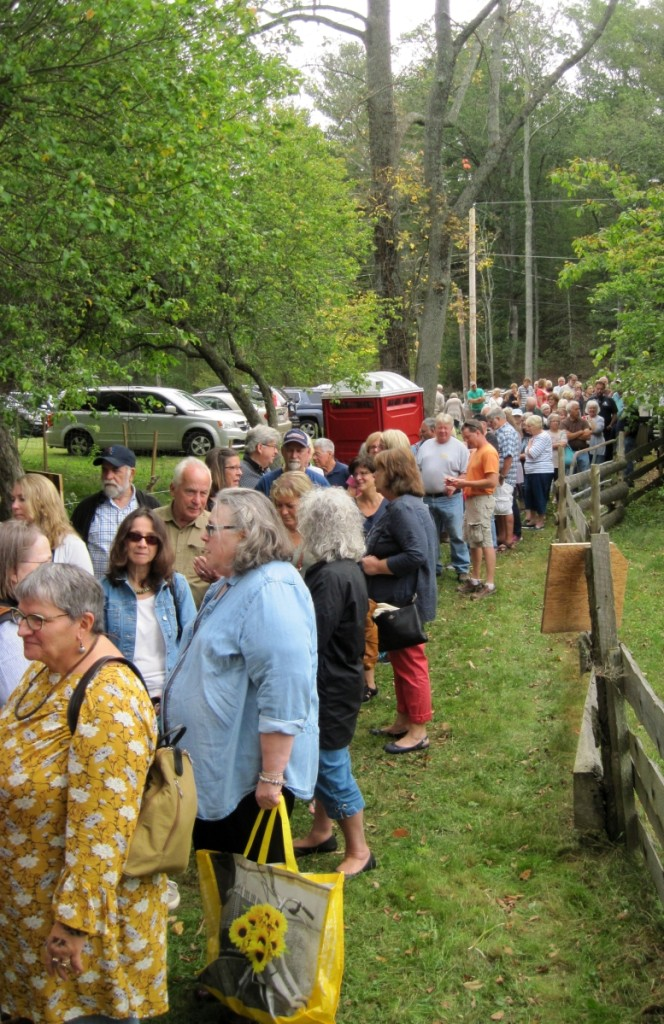 For a small, out-of-the-way show, Walker Homestead has quickly become popular, drawing a large audience for the 10 am Saturday opening.