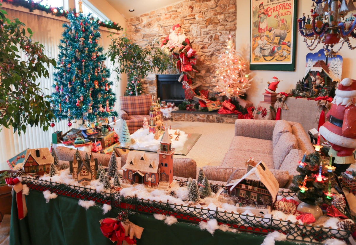 collectors display christmas antiques exactly as their makers intended placing old ornaments and lights on trees and old paper decorations on walls - 1980s Christmas Decorations