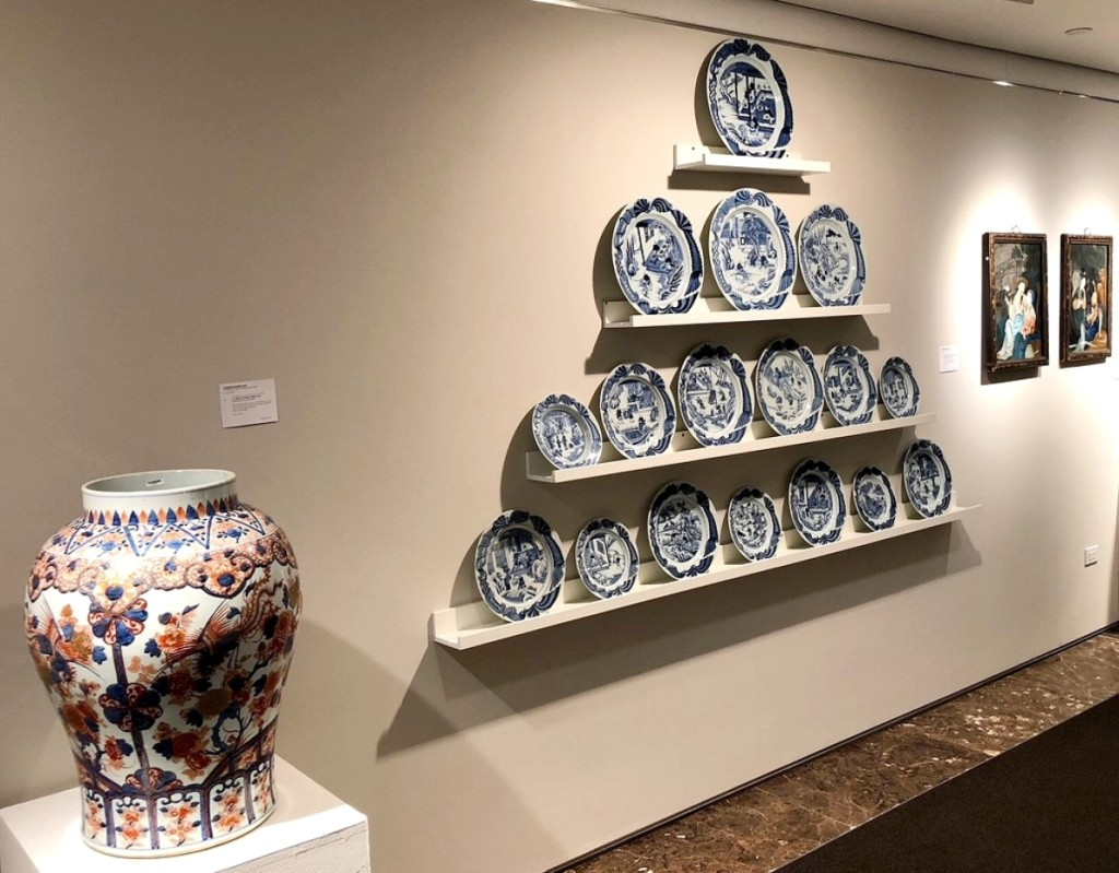 Christie's cataloged sale of Chinese export art was topped by a set of blue and white Qianlong period dishes depicting tea cultivation, $150,000 ($40/60,000). Left, the Kangxi period Imari jar fetched $17,500 ($7/10,000). From Marchant, the Qianlong period reverse paintings on glass, far right, depicting courting Chinese couples earned $21,250 ($6/9,000).