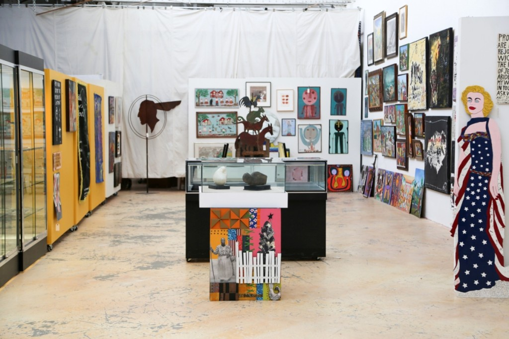 During preview, the gallery featured a nice mix of paintings and objects from local, national and international artists.