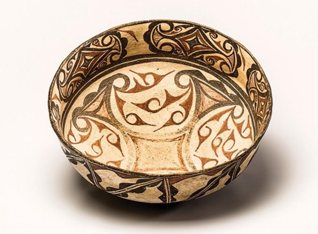 Zuni dough bowl, circa 1880, 15-inch diameter, attributed to We'wha (1849–1896).