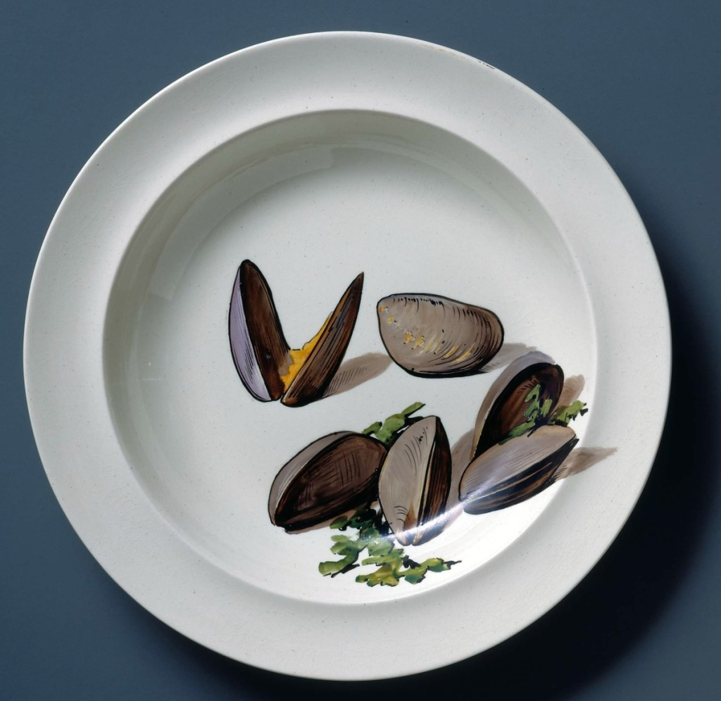 Earthenware (creamware) soup plate portraying mussels, Wedgwood Etruria Factory, Staffordshire, England, 1870–72. Campbell Collection of Soup Tureens at Winterthur.