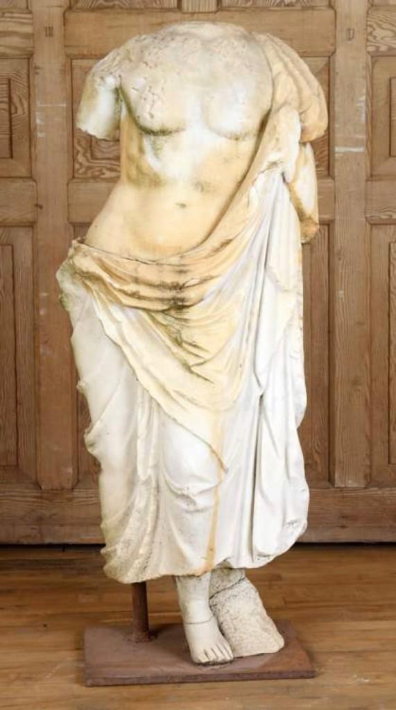 AB Kamelot Statue