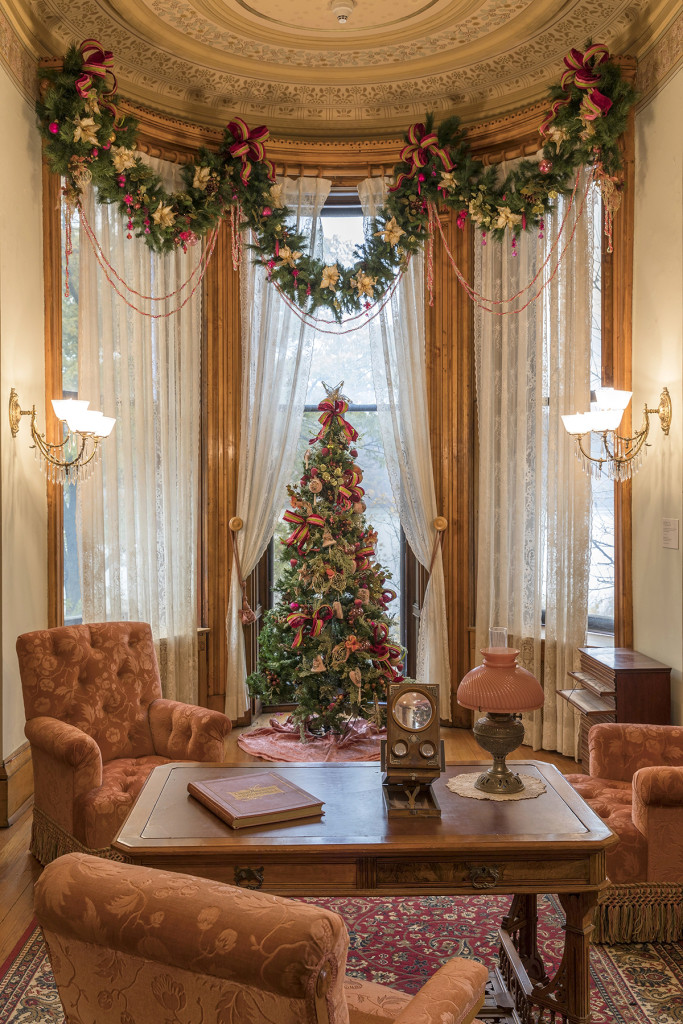 Holiday decorations in the Sitting Room at Glenview, Hudson River Museum, George Ross photo, courtesy Hudson River Museum.