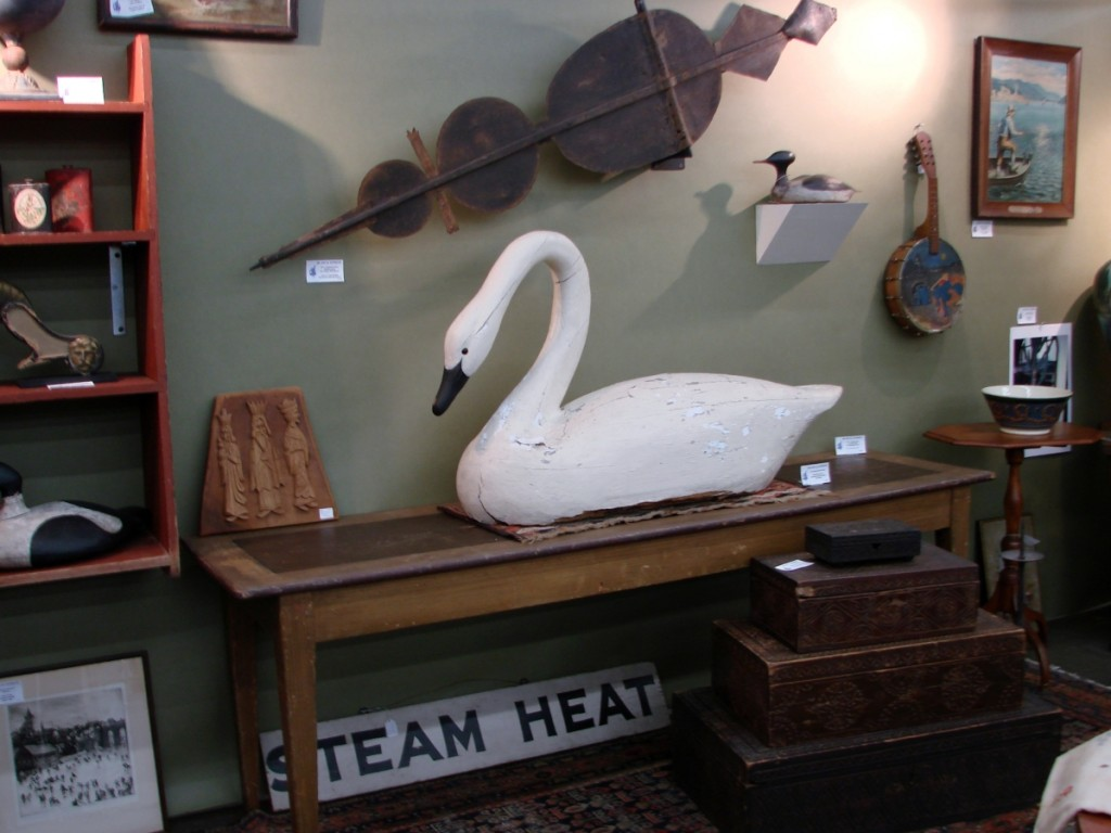 There were several nice decoys at the show, including this large white swan, in the booth of MG Art & Antiques, Merrimac, Mass.