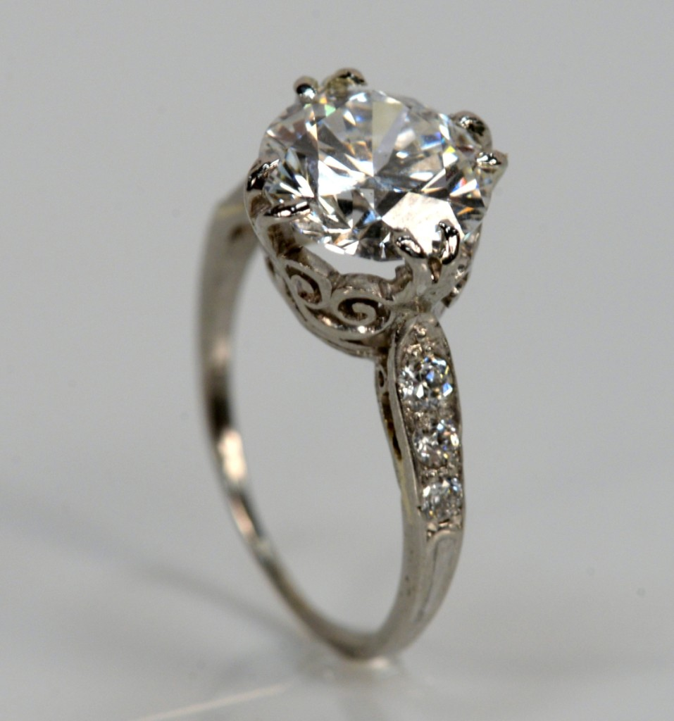 The highest selling jewelry lot in the sale was this 2.70-carat diamond engagement ring. There had been so much presale interest in the ring that Ed Nadeau Jr opened bidding on the ring at $37,000 and sold it for that, $44,400 with buyer's premium ($25/40,000).