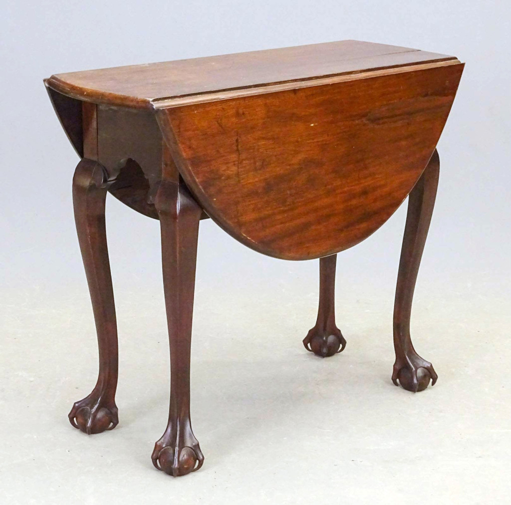 HAR Copake Chippendale Table