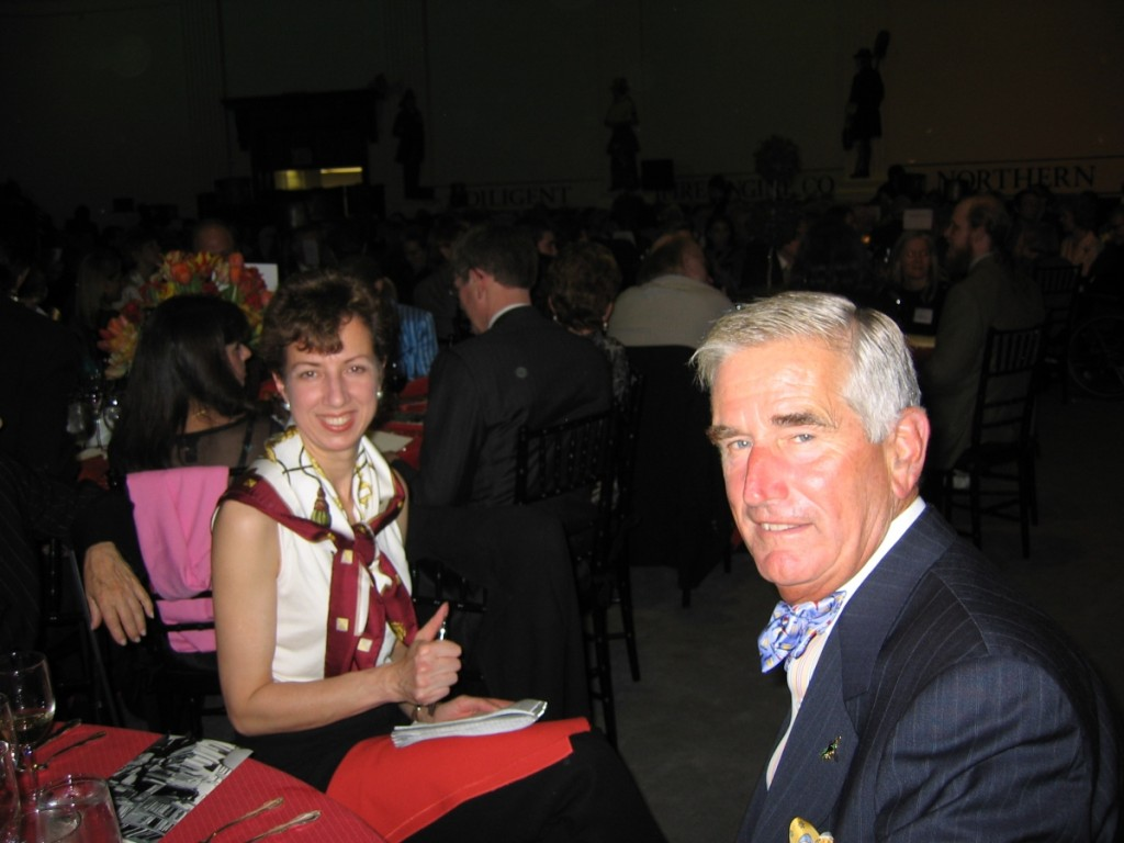 With notepad and pen in hand, Beach and R. Scudder Smith at the ADA Award of Merit dinner honoring Wendell Garrett in 2004.