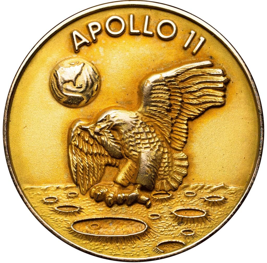 Robbins Gold Medal_Fotor_Fotor