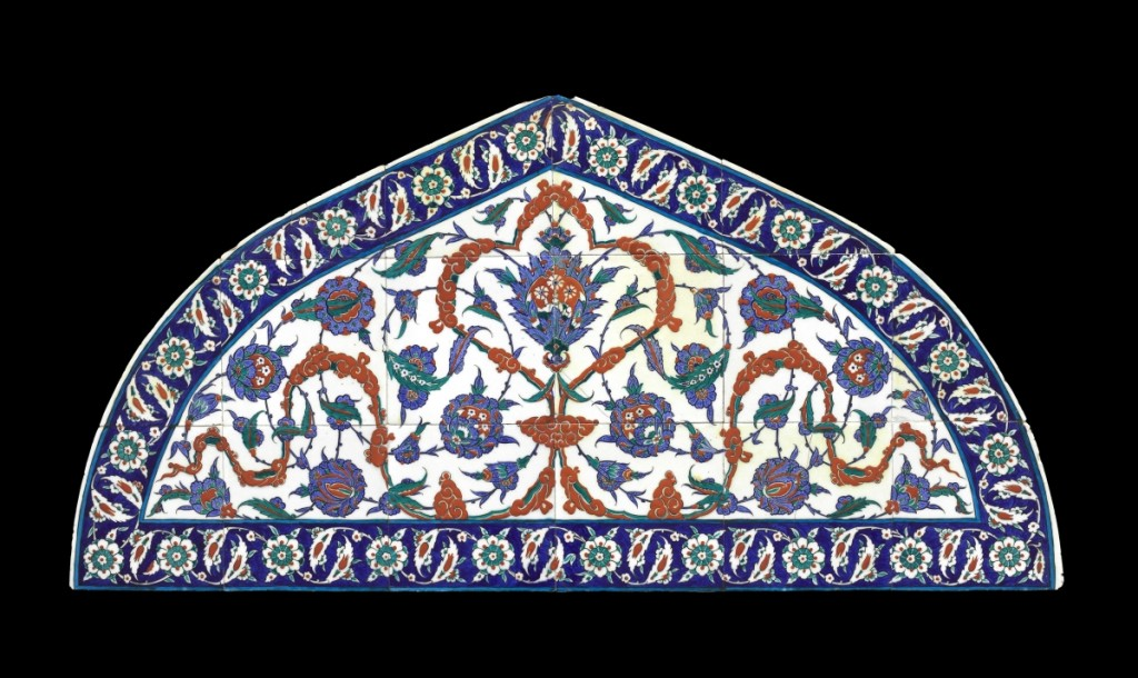 Tile Lunette, 1570–75 Turkey (Iznik), Fritware with polychrome decoration under transparent glaze, bequest of Mrs Martin Brimmer, photograph ©Museum of Fine Arts, Boston.