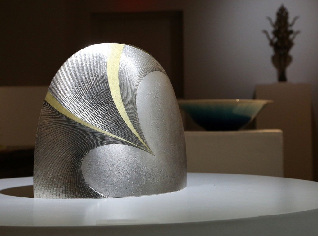 """Ko (Sparkling Water)"" by Otsuki Masako (b 1943), executed 2007. Silver with metal carving and gold decoration."
