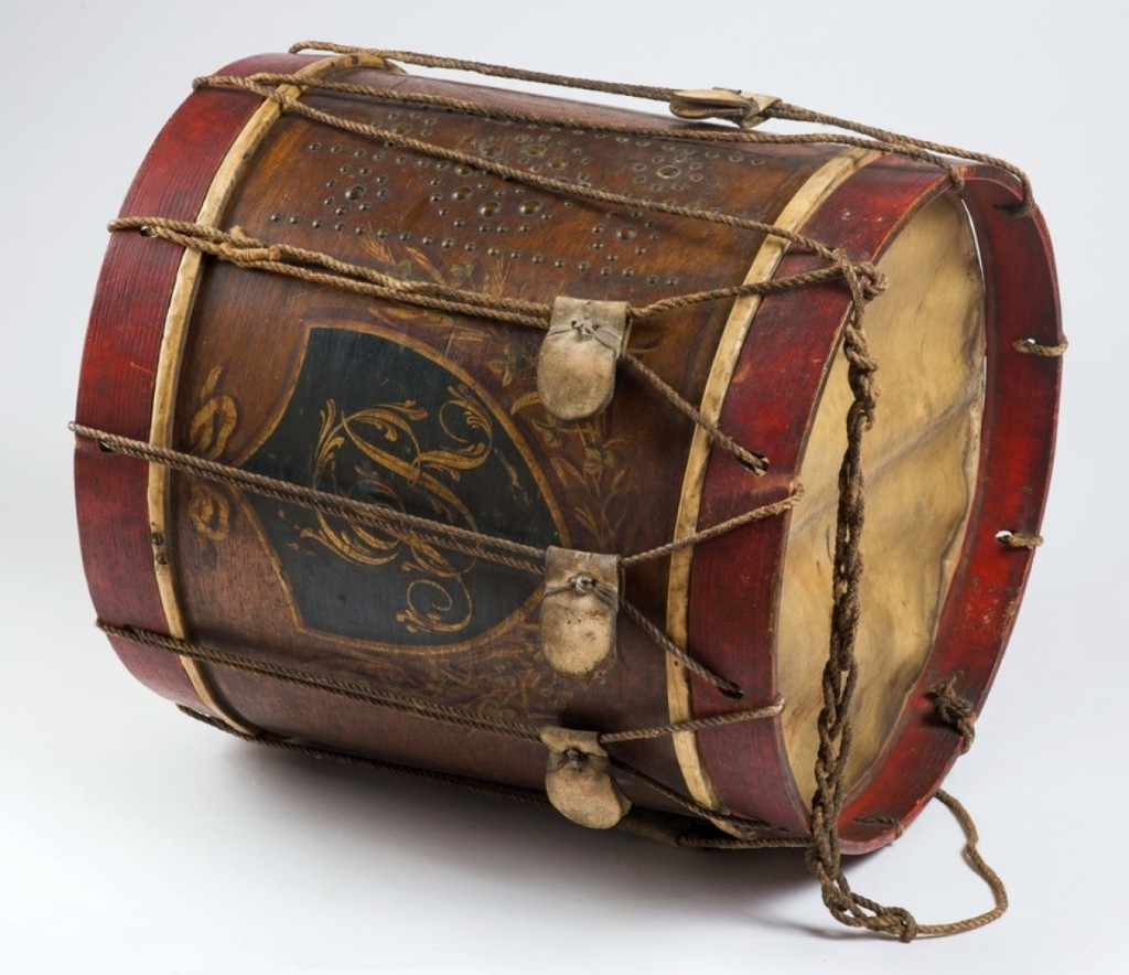 A rare example of a French & Indian War period military drum, this mid-Eighteenth Century British regimental rope-tension snare drum beat a path to $10,160. Peeking through a hole in the drum's side, you could see a printed trade label viewable inside the shell.