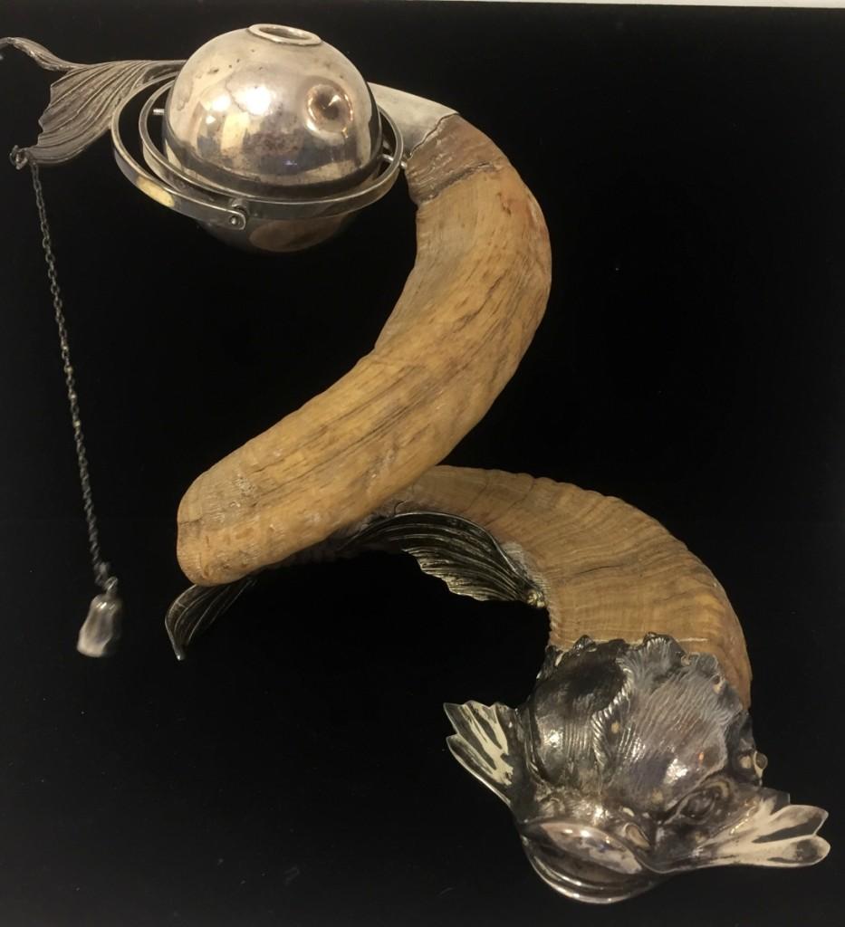 AB World Auction Gallery Ram's Horn Lighter