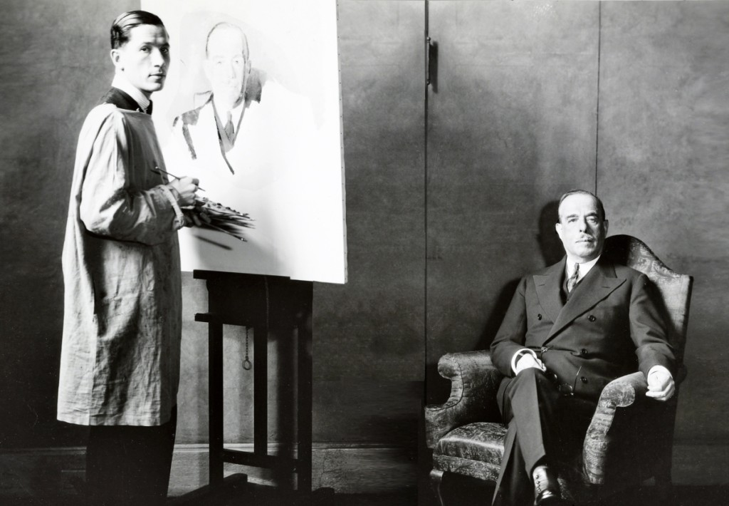 Joseph Duveen sitting for his painted portrait, 1933. Getty Research Institute, Los Angeles.