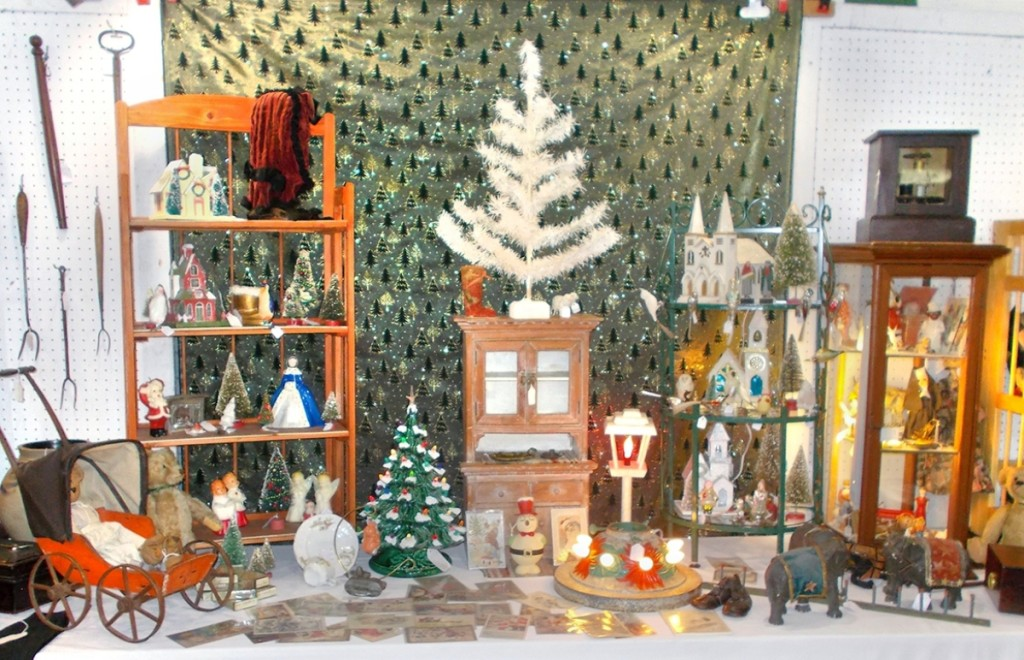 Christmas was a common theme for many of the exhibitors, offering decorations from 100 or more years ago.