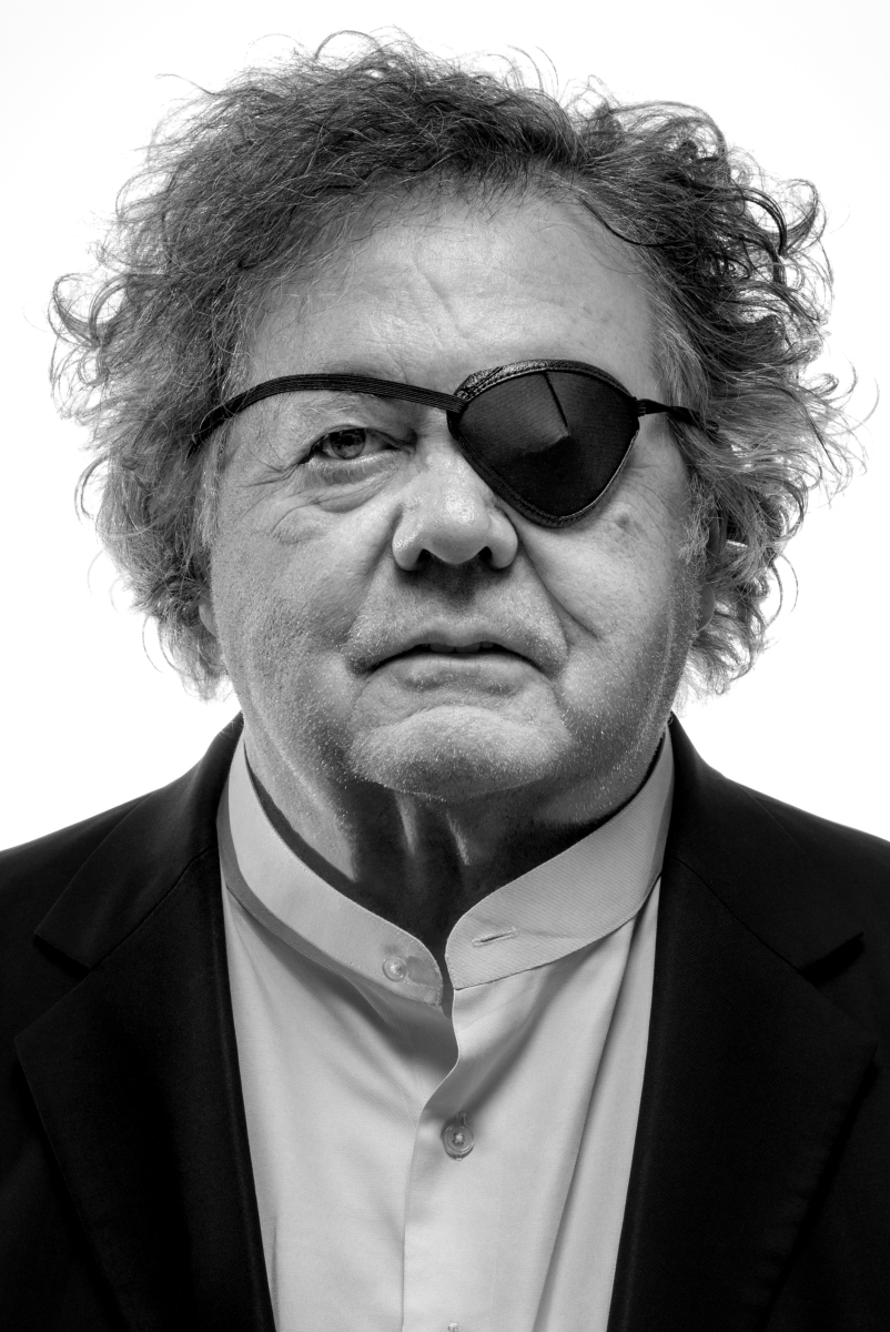 Portrait of Dale Chihuly © Chihuly Studio.   All Rights Reserved.