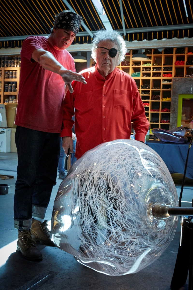 James Mongrain and Dale Chihuly at The Boathouse hotshop, Seattle, Wash.   © Chihuly Studio. All Rights Reserved. Photo Scott Mitchell Leen.