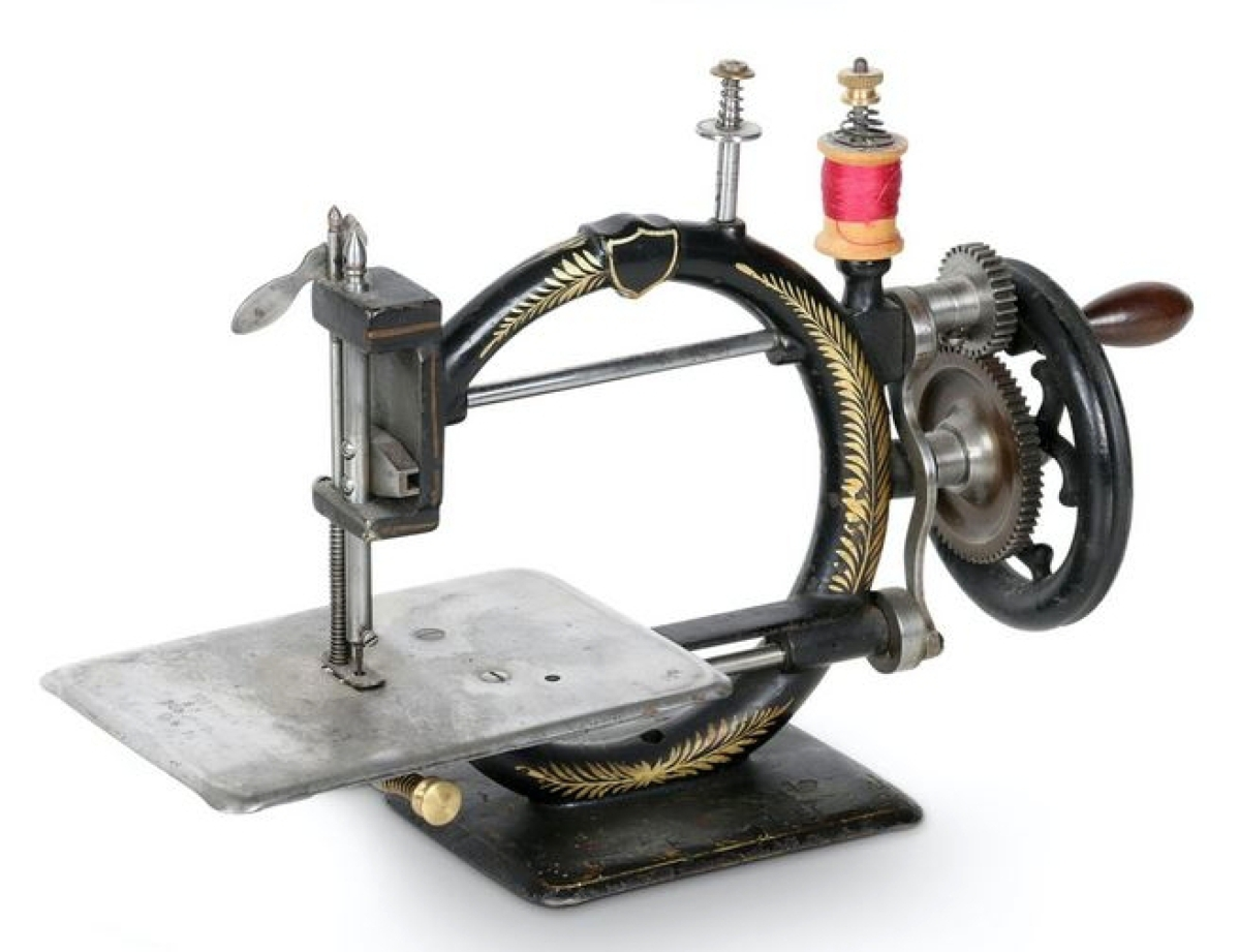"""Bidders liked the circular design on this Victoria """"Family"""" model from the 1880s. From The Victoria Sewing Machine Company in Toronto, it sold for $2,343 and led all of the sewing machines in the sale. Koenig collection."""