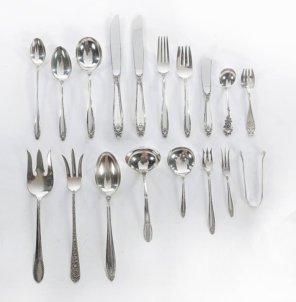 This nearly 200-piece set of International sterling flatware and serving pieces in the Prelude pattern was the first lot to cross the block and got the sale off to a strong start, bringing $2,280 from a bidder in the room ($2/2,500).