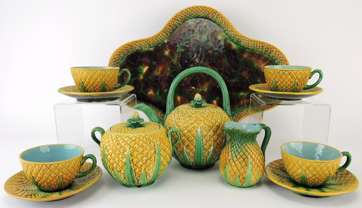 The top lot of the overall four-day Strawser sessions was a rare George Jones majolica pineapple tea set with 17-inch tray, tea kettle, cream, sugar and four. cups/saucers, going out at $12,100.