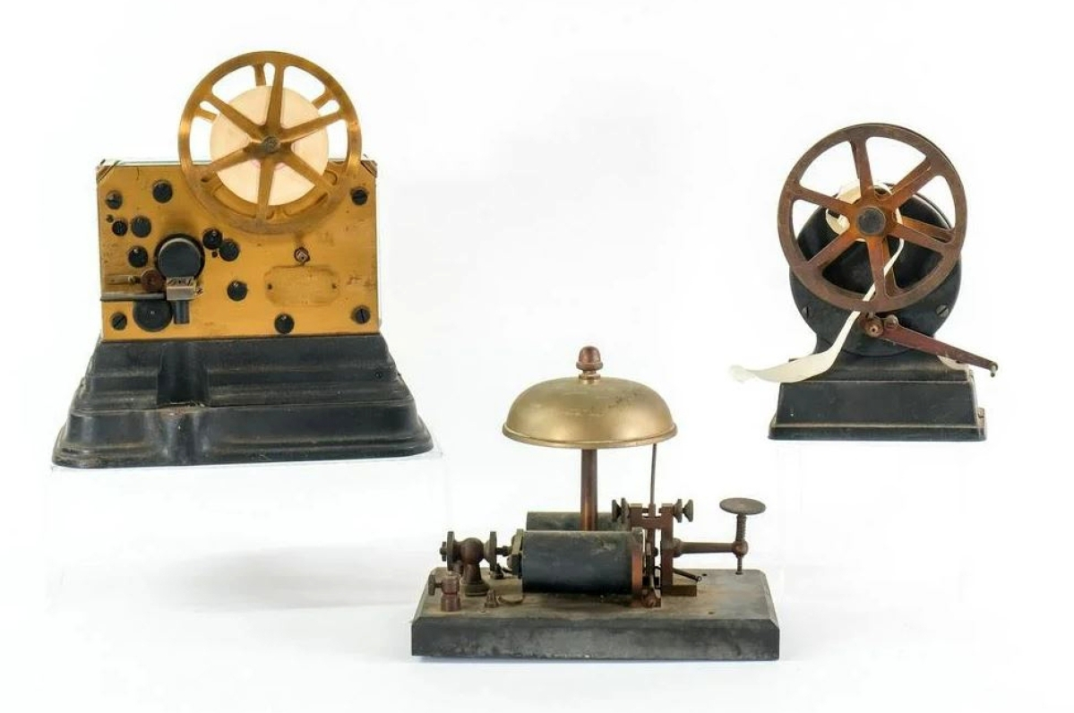 A brass Gamewell ticker tape fire alarm register and alarm bell sold for $2,030 above a $200 estimate. It took 37 bids to knock it down.
