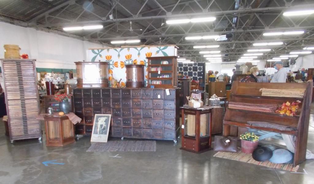 Country Folks Antiques, Destin, Fla.