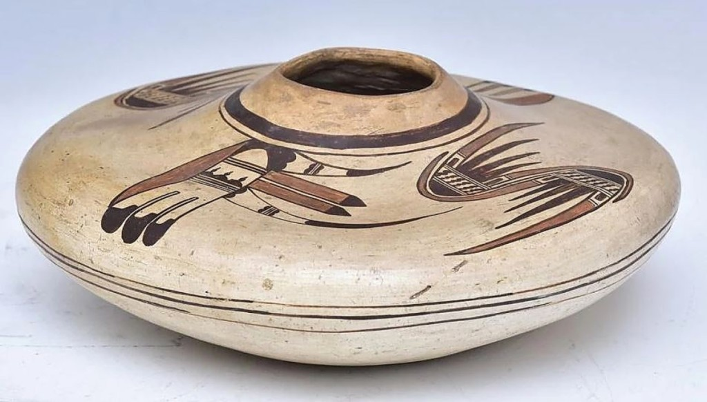 Among the best examples of a Hopi seed jar that the auction house had ever handled, this piece, 9   inches diameter, sold for $8,125. DeStories attributed it to Nampeyo from the early Twentieth Century.