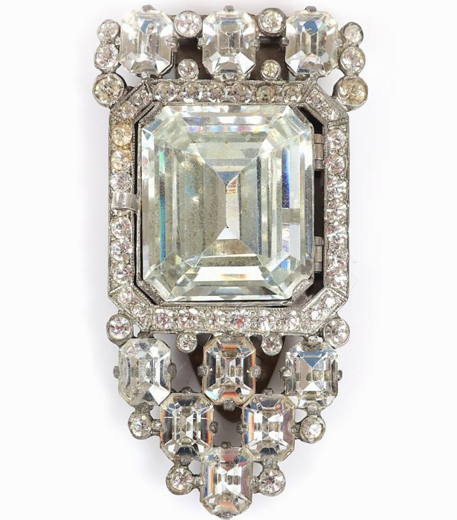 Sharon Schwartz had never seen another example of this locket dress clip. The picture on the inside featured two women, perhaps a clue to the original owners. The locket, with square cut central crystal and bezel-set rhinestones, sold at $4,250, the second highest result in the sale.
