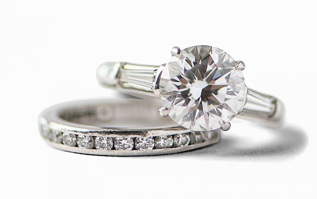 A Tiffany & Co platinum diamond ring and band reached $53,125. The 3.1-carat diamond was rated D and VS1 for clarity. The set was boxed with original papers from Tiffany & Co.