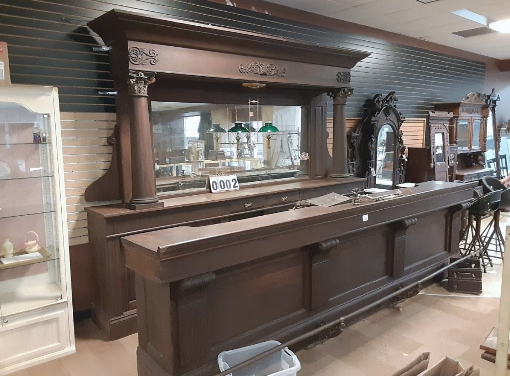 Leading the sale and selling to a phone bidder from Pennsylvania for $7,150 was this oak-back bar built in 1904 by M.J. Bernhard of Buffalo, N.Y. ($4/6,000).