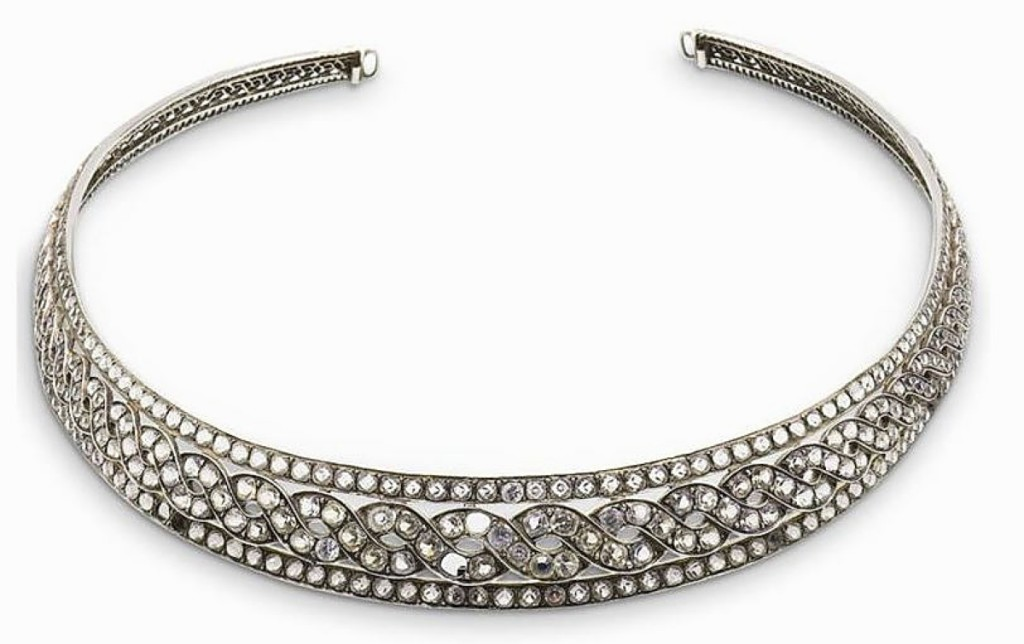 Top lot in the sale was an Eighteenth Century diamond tiara in platinum that rose above its $2,000 high estimate to sell for $12,500.