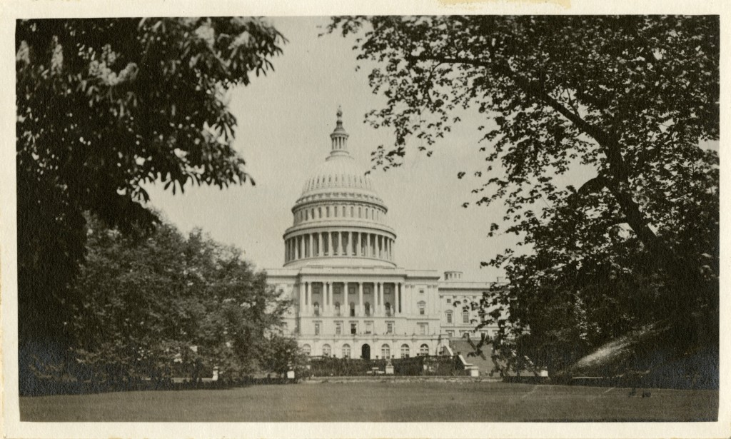 United States Capitol (Washington, D.C.) by Martin A Gruber. Smithsonian Institution Archives, Record Unit 7355, Martin A. Gruber Photograph Collection, Image No. SIA2010-1939.