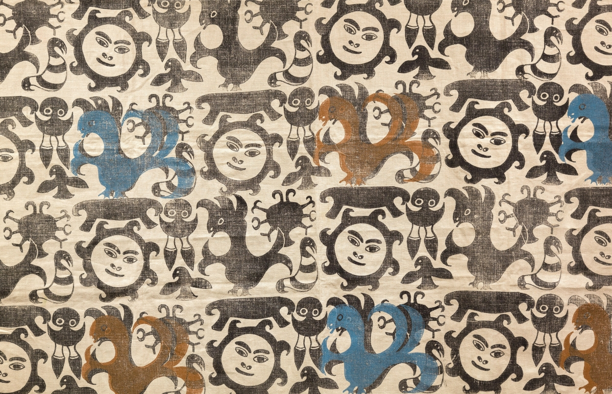 Detail of a design by an unidentified artist, 1950s-60s. Linen, stencil or block printed. On loan from the West Baffin Eskimo Co-operative, T2017.20.31, reproduced with the permission of Dorset Fine Arts. Courtesy Textile Museum of Canada.