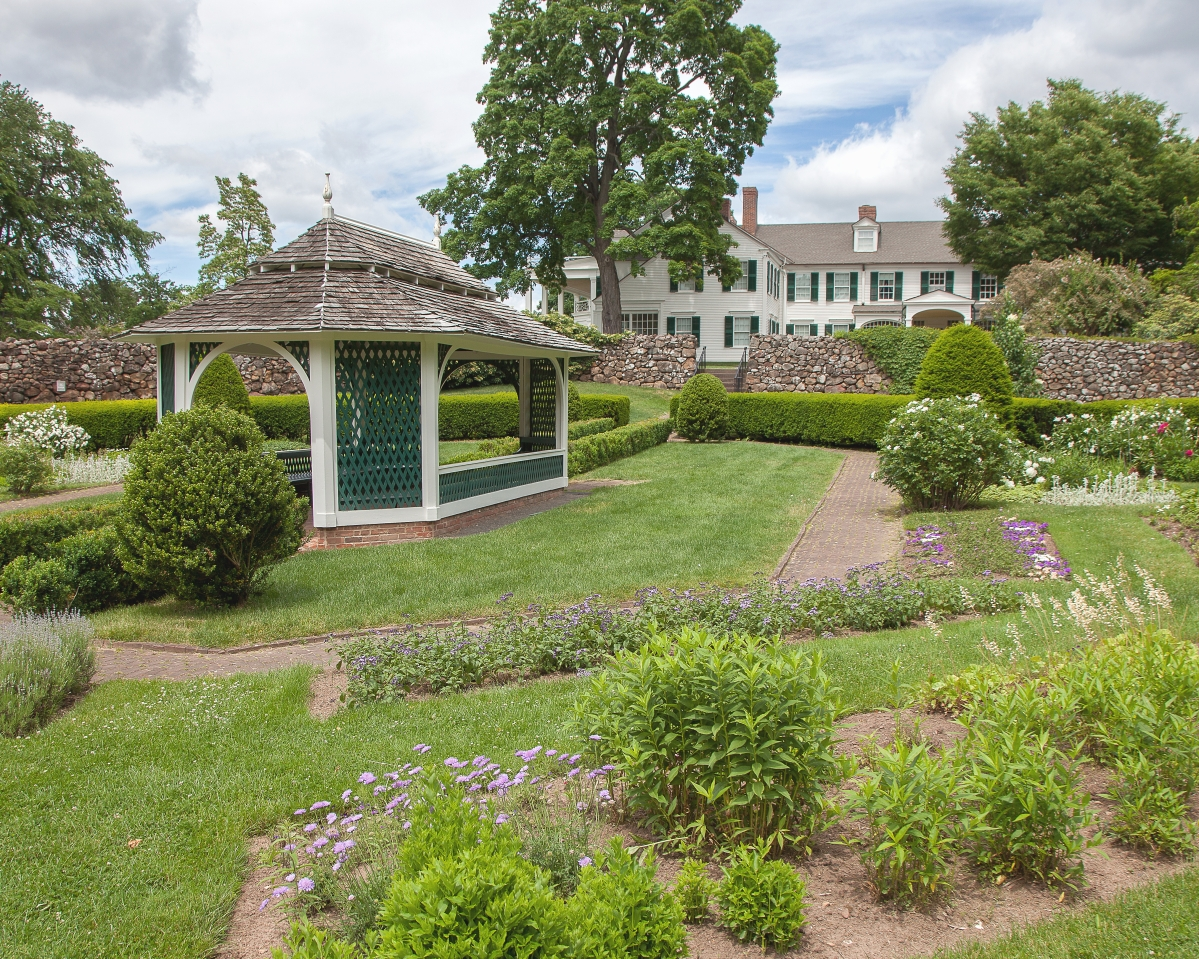 On nearly an acre, Hill-Stead's sunken garden features brick walkways, boxwood and more than 90 varieties of annuals and perennials. Theodate Pope created it for her mother, Ada Pope, in 1901. When the garden was restored in the mid-Twentieth Century, a plan was discovered that was produced for the property by Beatrix Farrand, a successful landscape designer of the first half of the Twentieth Century. The garden was then restored with a modern interpretation of Farrand's original plan.