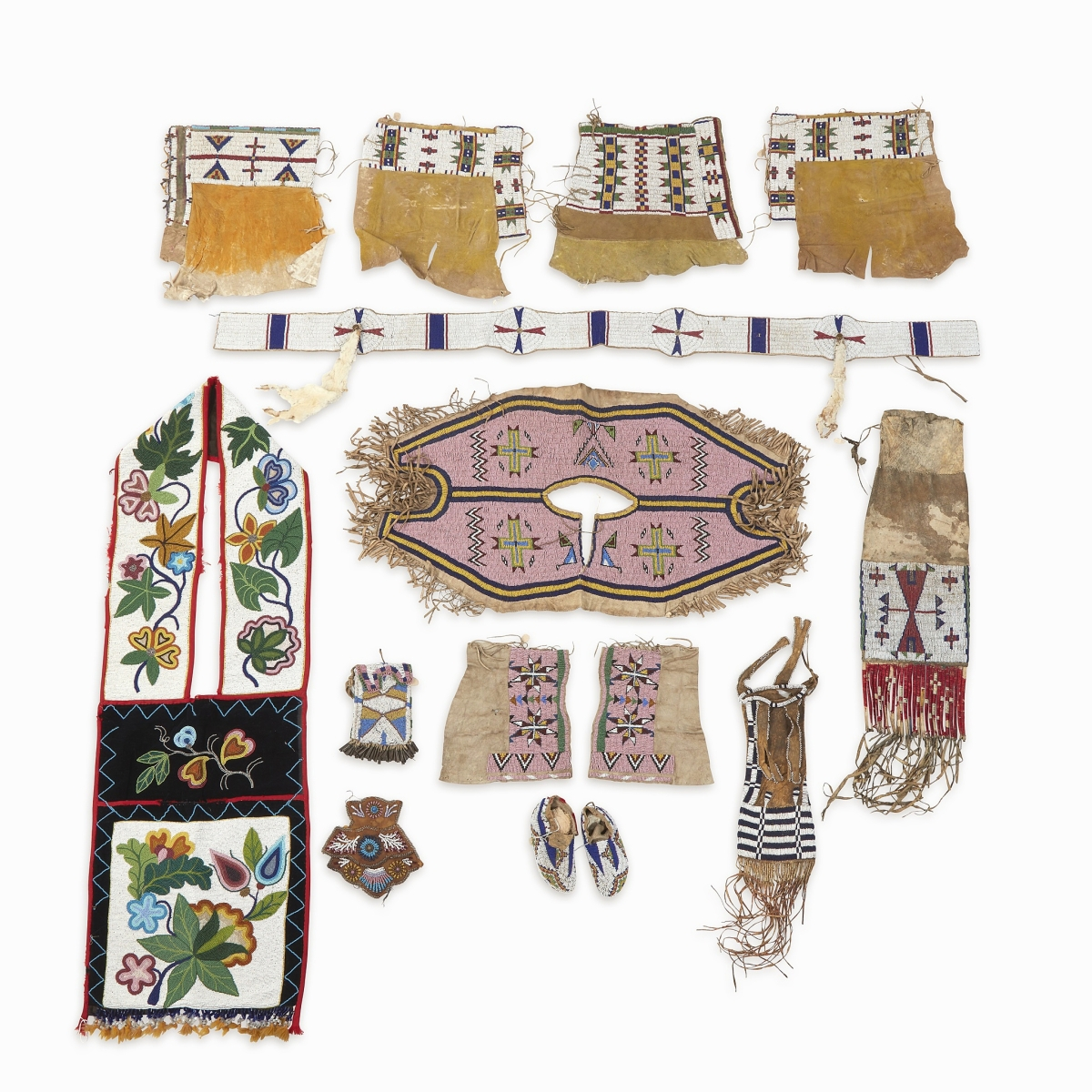 Selling for $18,900 was a collection of Native American beaded hide and cloth accessories, many of them from the Lakota Sioux. They had been acquired by Frank B. Thomas (1894-1984) in the late 1940s-early 1950s at Grove Park Lodge, part of the Bigwin Inn at Lake of Bays, Muskoka, Ontario.