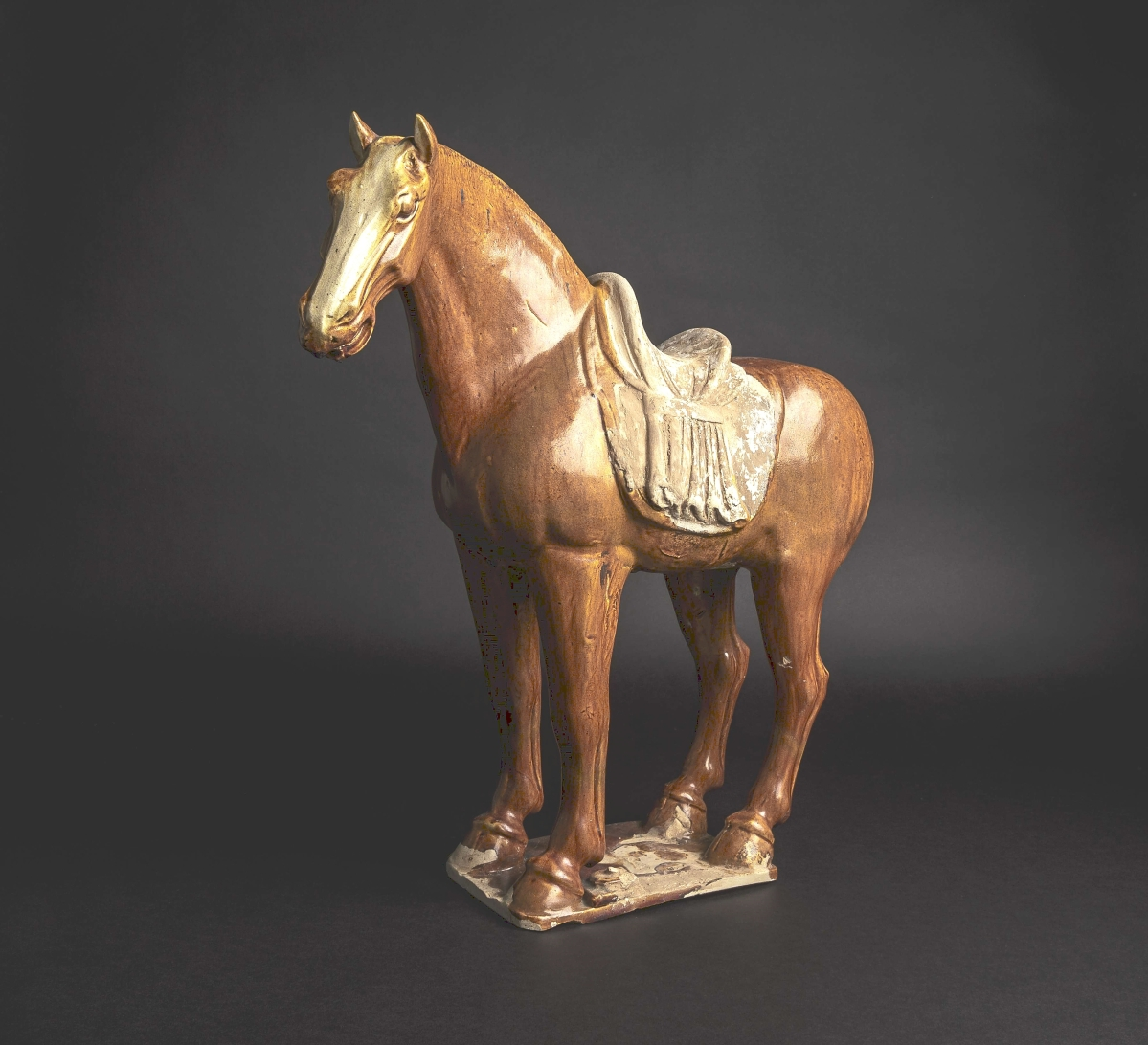 The amount of $36,590 was enough to win this nearly 19-inch-tall Chinese Tang dynasty (618-906 CE) horse, which had a brown-colored glaze over most of its body. It had provenance to a South German private collection as well as a Viennese private collection.
