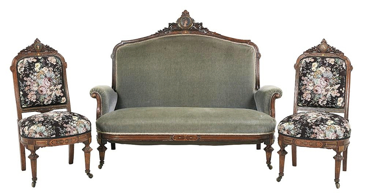 Gilt-incised rosewood settee and pair of side chairs that sold at New Orleans Auction Gallery in September 2020 and which were purchased for the Lockwood-Mathews Mansion Museum by support from the LMMM trustees and a donor/friend of the museum from Louisiana. All three pieces are currently in the museum's Oratory. New Orleans Auction Gallery photo.